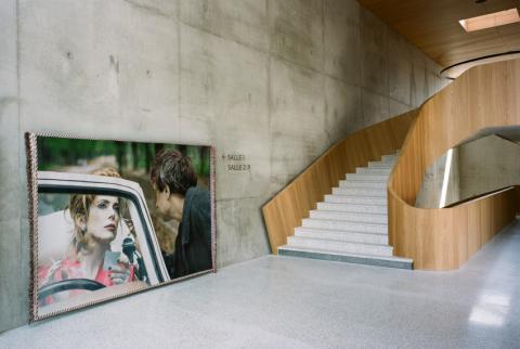 """set photograph: Marion Stalens, """"Sans Titre"""" de Léos Carax avec Catherine Deneuve, 1999 - photo: Cyrille Weiner"""